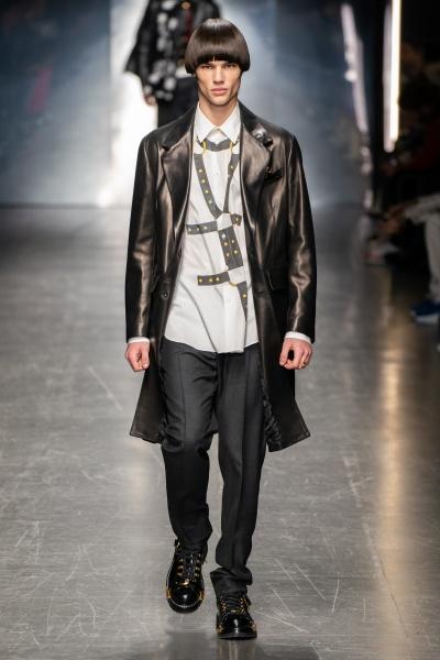 Versace2019米兰秋冬男装周