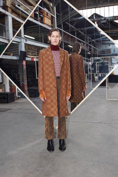 2020年秋冬男装时装发布 - 巴黎<br>Maison Kitsuné