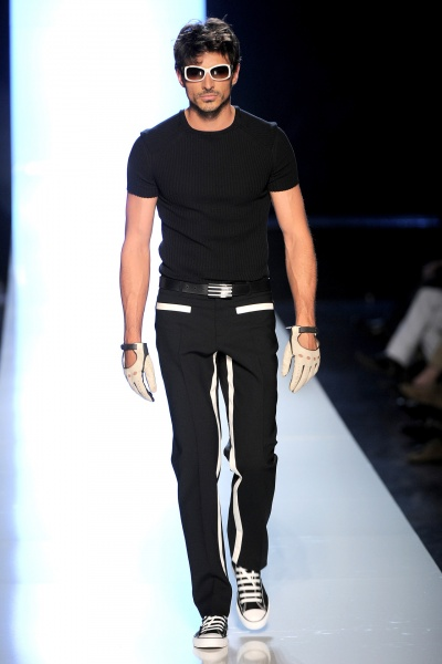 Jean Paul Gaultier2010巴黎春夏男装周