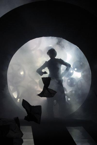 John Galliano 2011巴黎春夏男装周