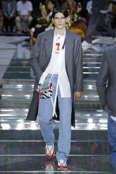 Versace2019春夏男装周